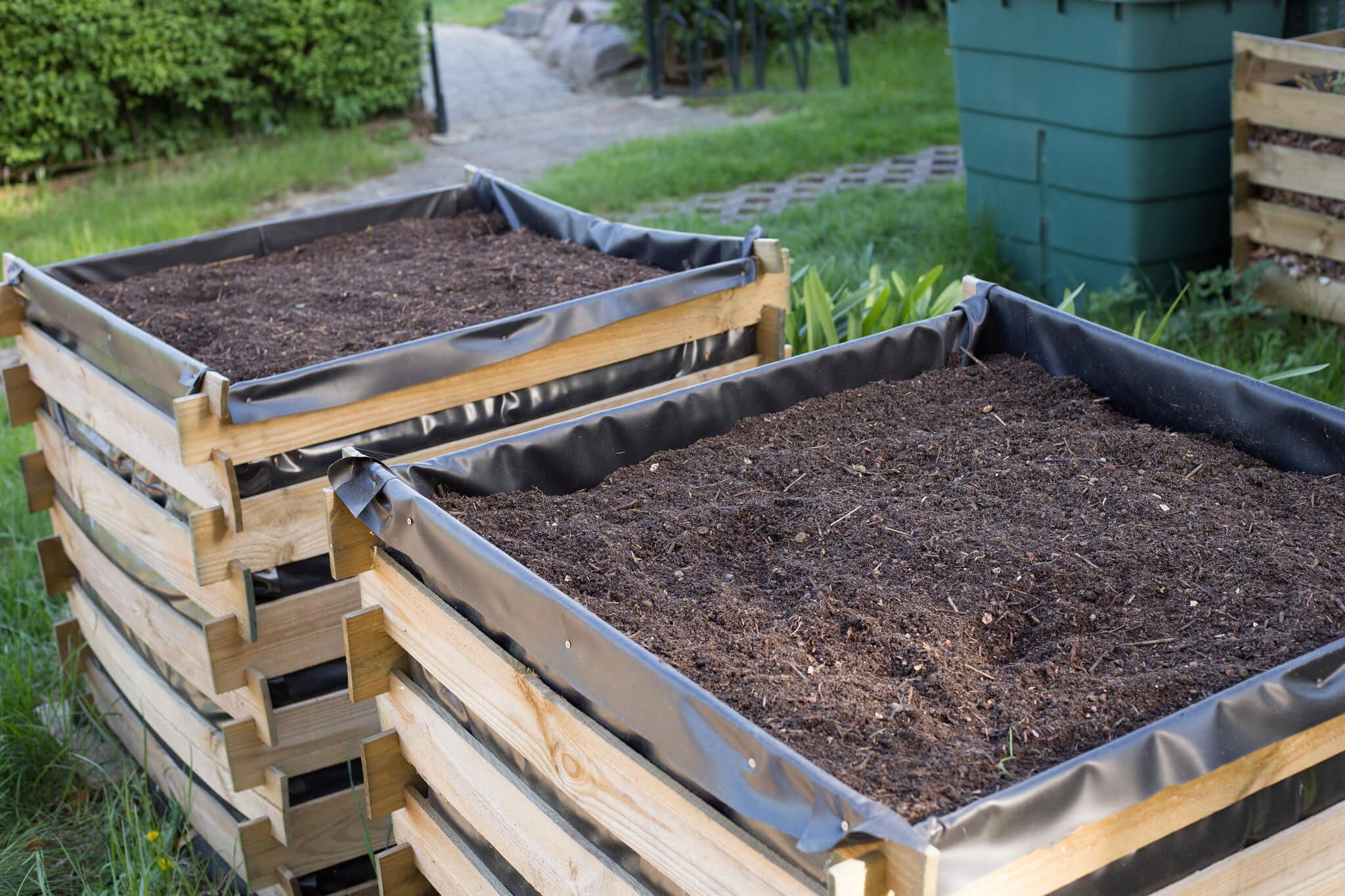 Dřevěný kompostér