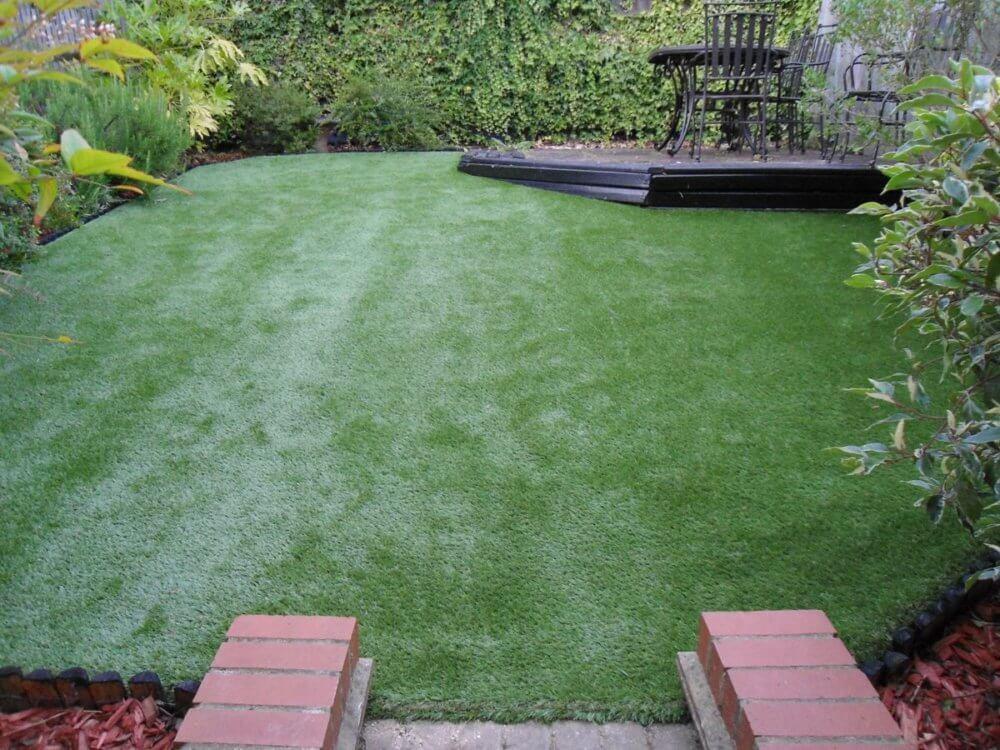 Umělá tráva na terasu
