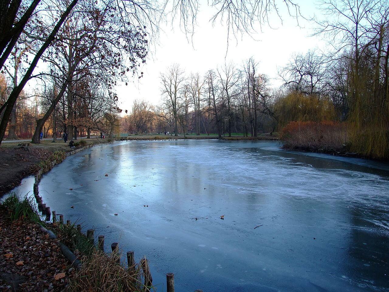 Zamrzlé jezírko